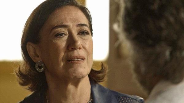 Valentina pede para Feliciano não sair de perto dela (Imagem: Reprodução/TV Globo)