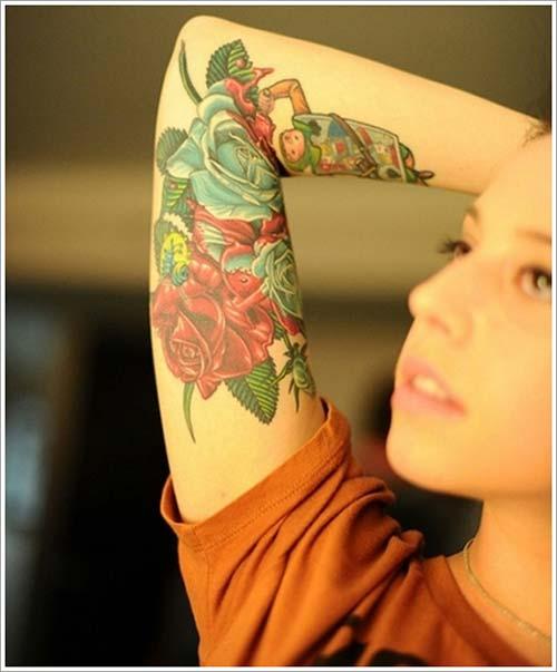 woman sleeve rose tattoo kadın kol gül dövmesi