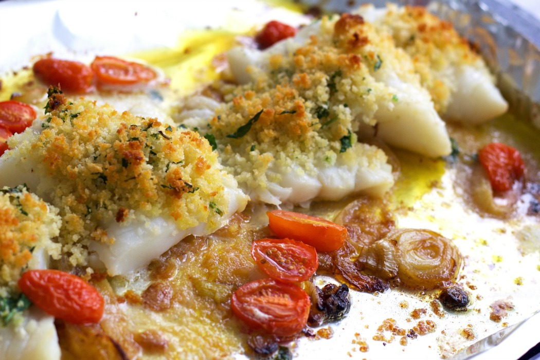 Baked cod with caramelized onions and cherry tomatoes for Baked cod fish