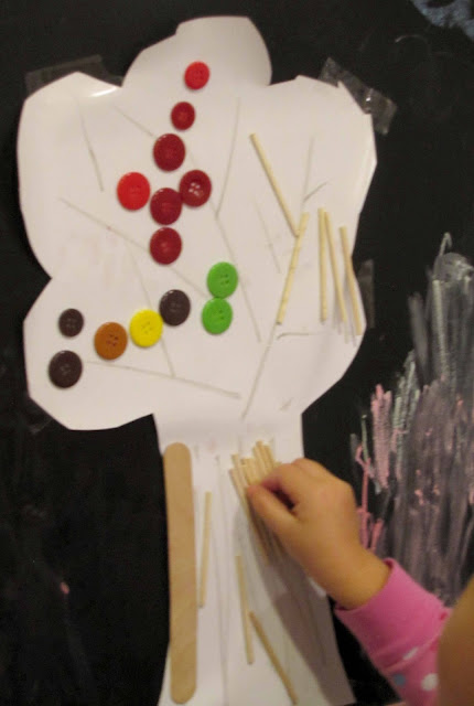 Toddler fall activities- create fall tree art