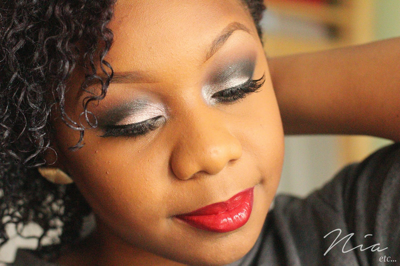 Classic Glamour Look with Bold Cut Crease and Red Lipstick 3
