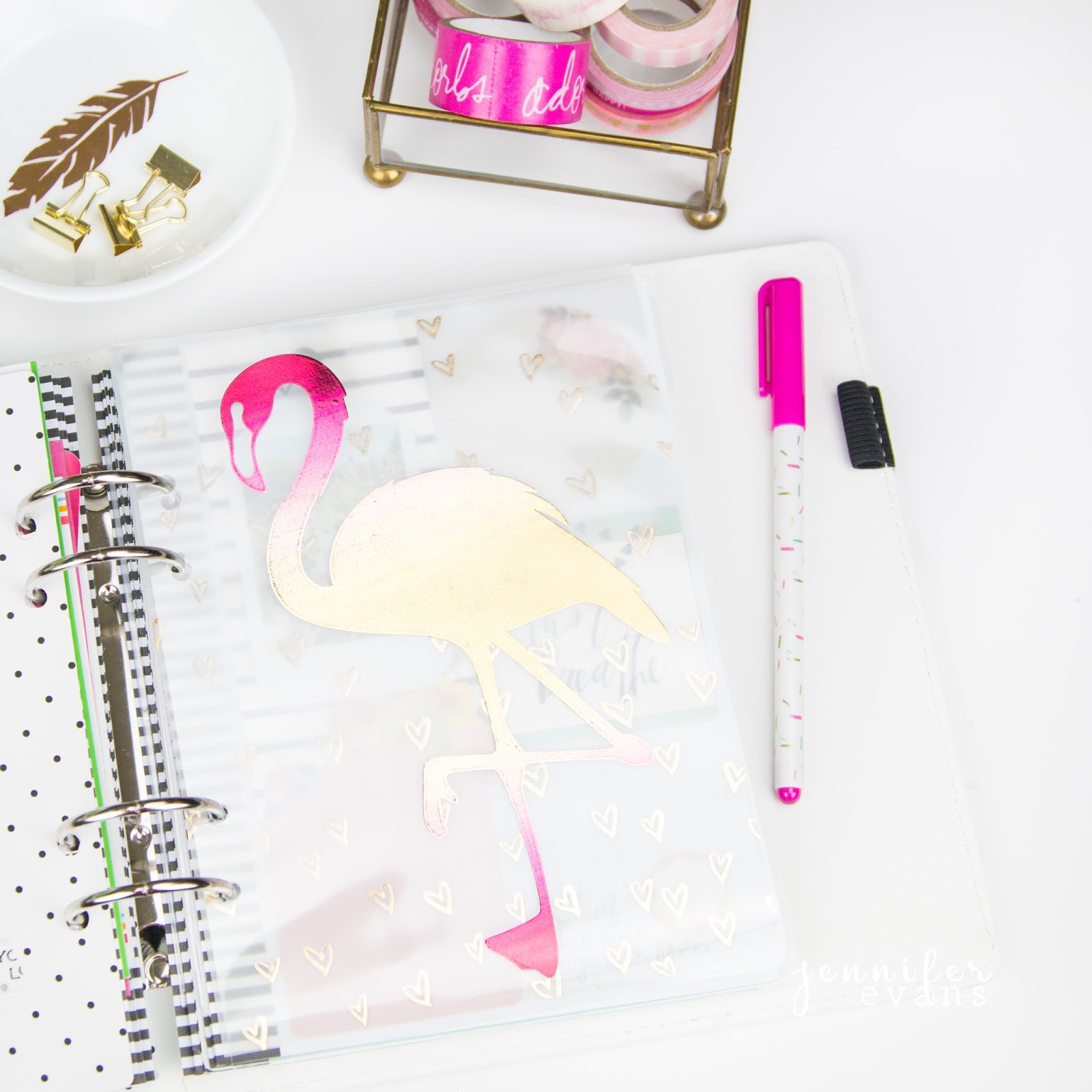 DIY foiled planner dashboards by @createoften with the @heidiswapp minc