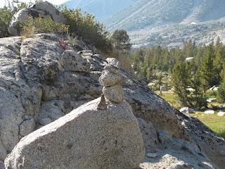 Dieses Steinmännchen führte mich endlich in die richtige Richtung