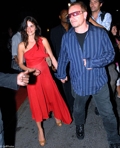 Bono, vocalista do U2 e Penélope Cruz podem estar juntos - foto: Big Pictures