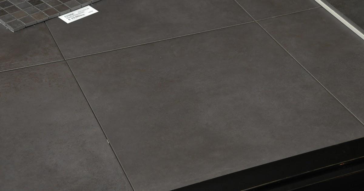 wir blogge r n unsern hausbau mit fertighaus weiss fliesenbemusterung. Black Bedroom Furniture Sets. Home Design Ideas