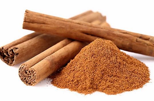 Cách chữa viêm họng hạt dứt điểm bằng bột quế