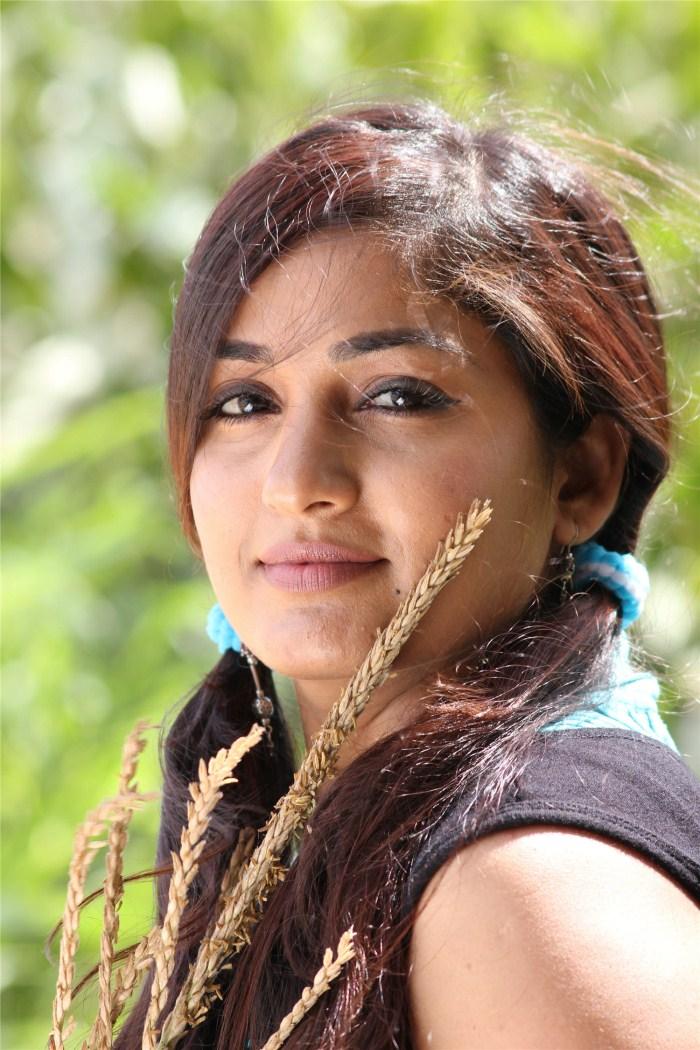 Cute Wallpapers November Latest Tamil Movie Stills New Telugu Movie Photos Usuru