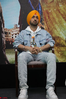 Anushka Sharma with Diljit Dosanjh at Press Meet For Their Movie Phillauri 046.JPG