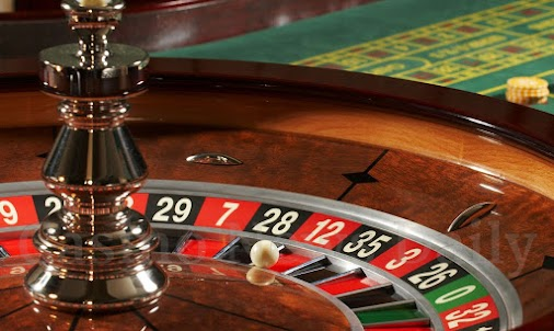 Roulette of emotions #sinnerman #roulette #gamble #liswith #obinamuni #poetry #blogger #emotions #distance...