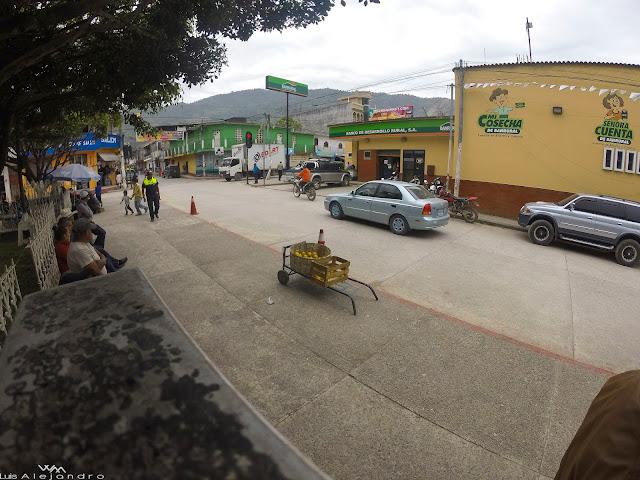 Banrural, parque Santa Cruz Barillas