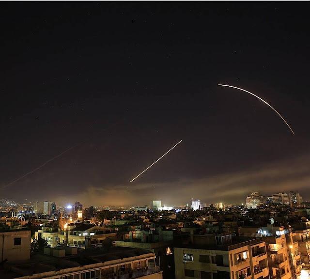 Os Estados Unidos França e o Reino Unido lançou ataques militares contra Síria, depois que a Síria usou armas químicas em civis