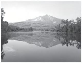 Gunung sebagai salah satu pembentuk permukaan bumi