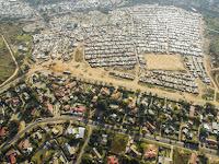 Mengintip Dinding Pemisahan Si Kaya dan Miskin di Afrika