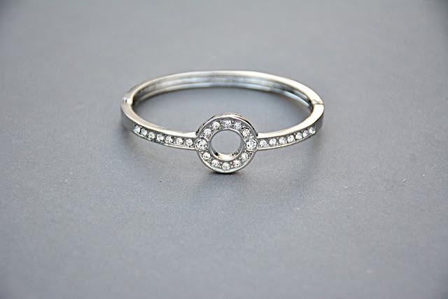 pilihan logam untuk cincin pernikahan