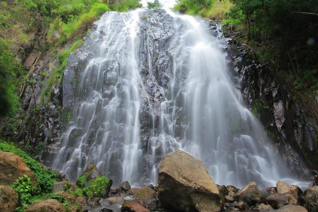 Mari Menikmati Keindahan Air Terjun Sampuran Efrata di Samosir