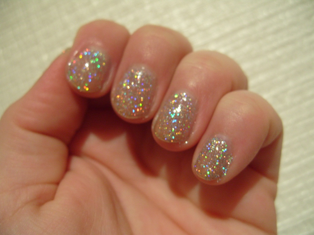 "Pretty Perfect Beauty: Advent NOTD #3: Mavala ""Pure Diamond"""