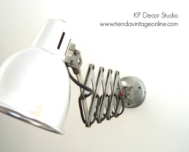 Comprar lámpara extensible industrial para pared