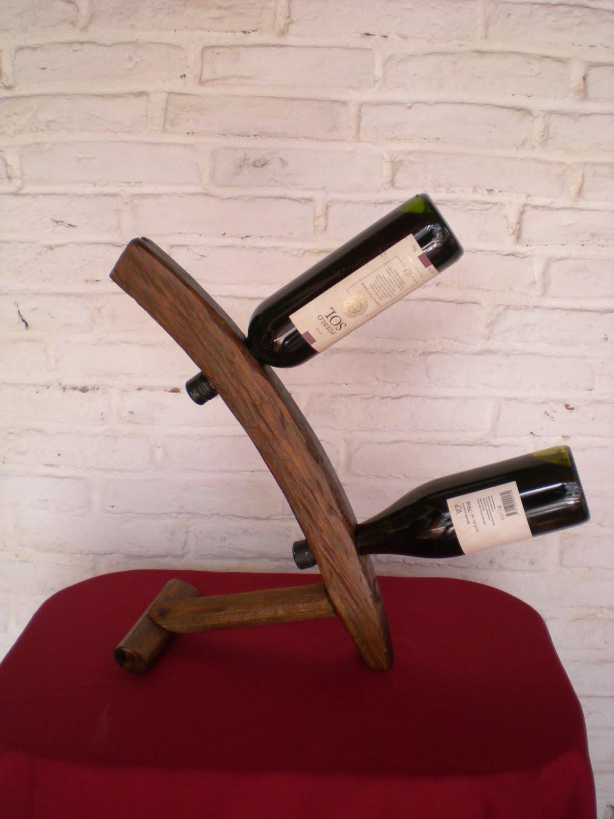 El Fogn  Artesanas en madera rstica y hierro Uruguay  Flores 045Porta botellas de vino  Adorno rstico