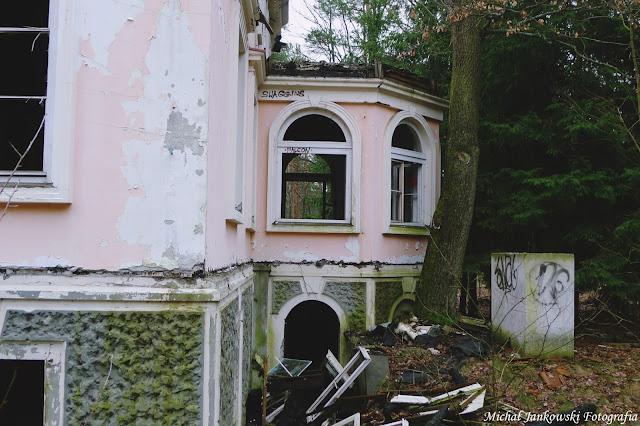 Opuszczona willa w Sulejówku (Warszawa, mazowieckie)