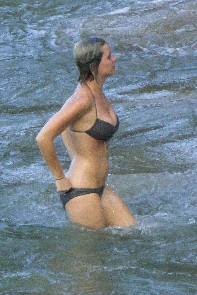 Carmen electra in bikini - 2 part 3