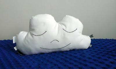 poduszka chmurka z materiału