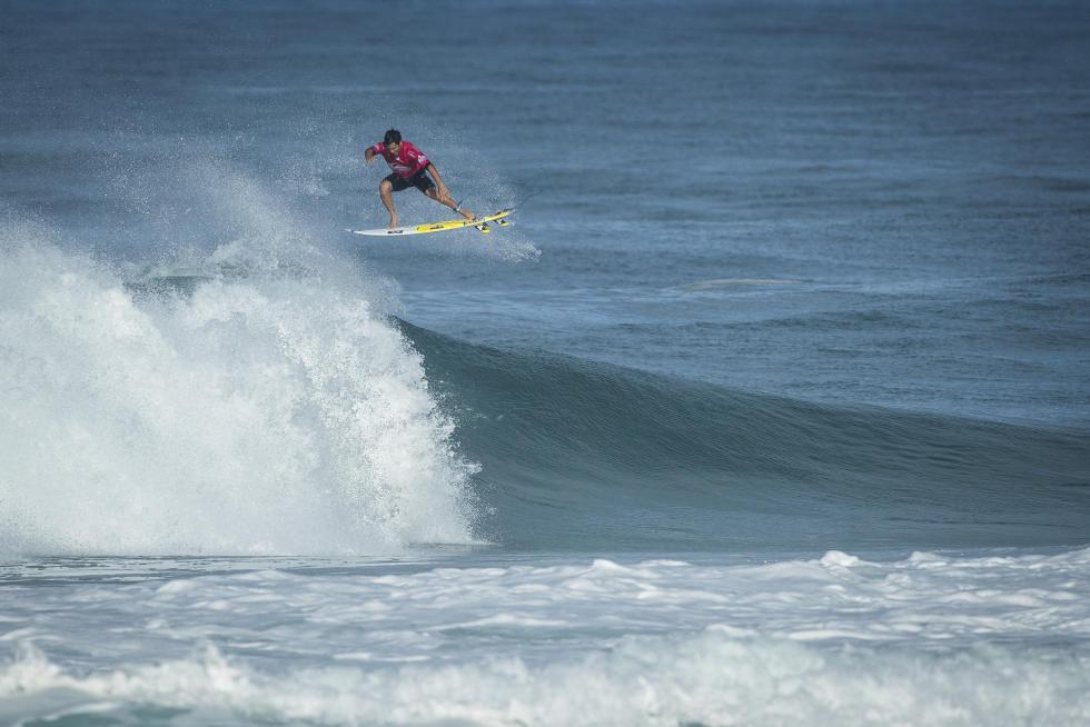44 Italo Ferreira BRA quiksilver pro france 2016 foto WSL Poullenot Aquashot