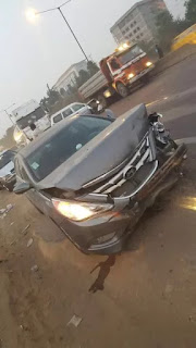 (PHOTO NEWS)Accident: A Trailer ran into 7 cars on otedola bridge this morning