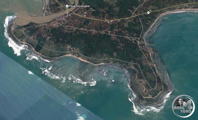 FOTO MAP 2 : Pantai Binuangeun dilihat dari atas ( Google Map )