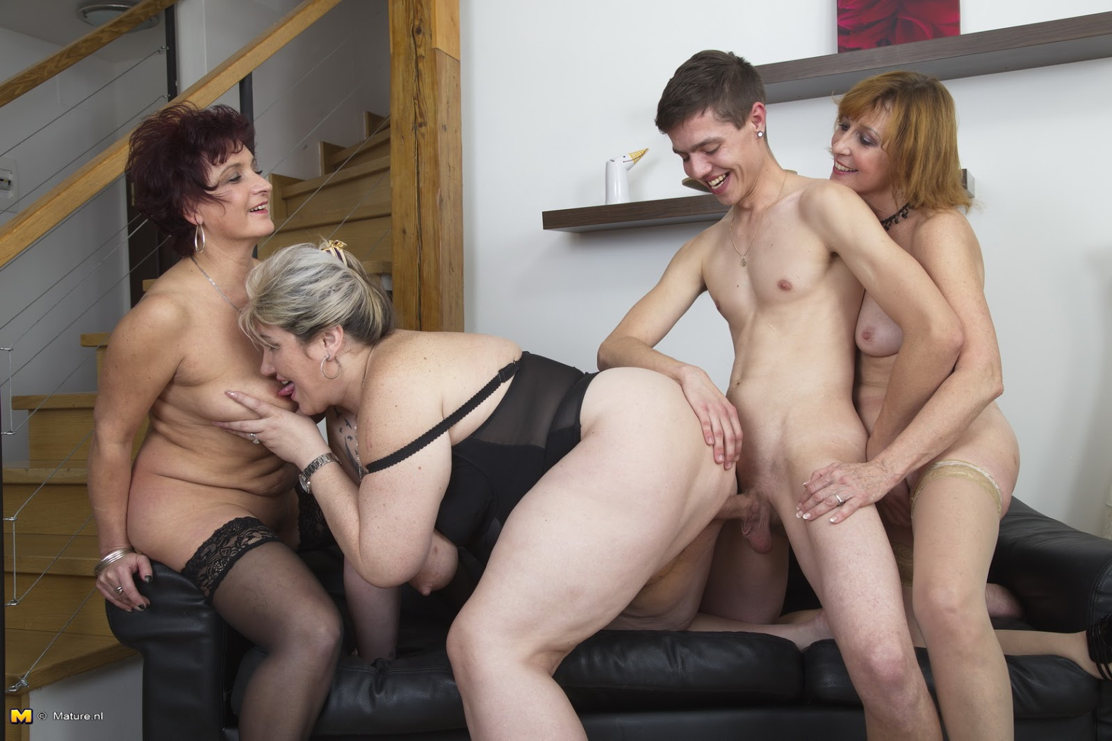 Milf Mom Showing Daugther Erotic Fantasy Hypnosis