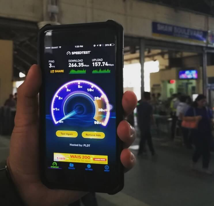 Smart Offers MRT and EDSA Commuters with FREE Super Fast WiFi without Data Cap