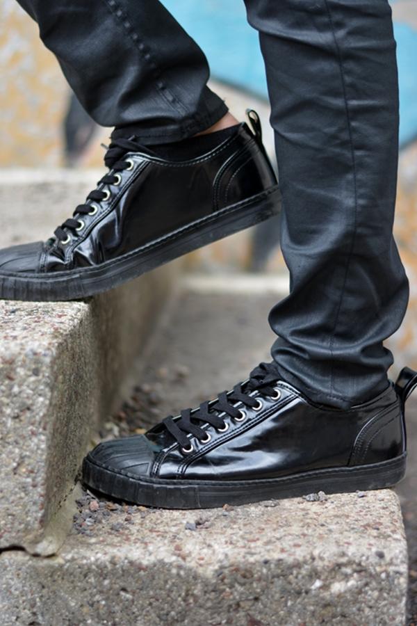 Meine Schuhe auf einer Treppe Outfitpost Modeblogger