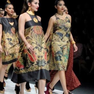 Niat sih Pakai Dress Batik, Tapi Malah Dibilang Kayak Pakai Daster. Pernah?