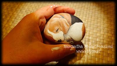 Cani beagle dipinti sassi ritratti animali