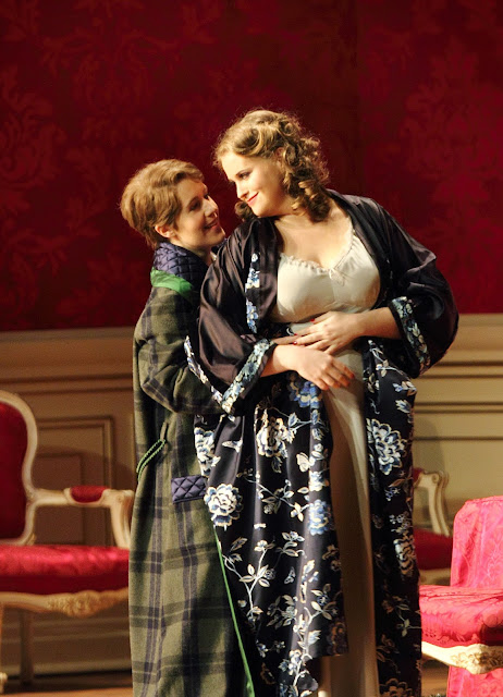Anna Stéphany, Rachel Willis-Sørensen - Der Rosenkavalier - @ ROH. photo Catherine Ashmore