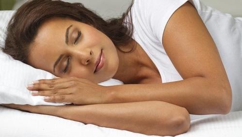 طرق التي من شأنها مساعدتك على خسارة الوزن أثناء النوم