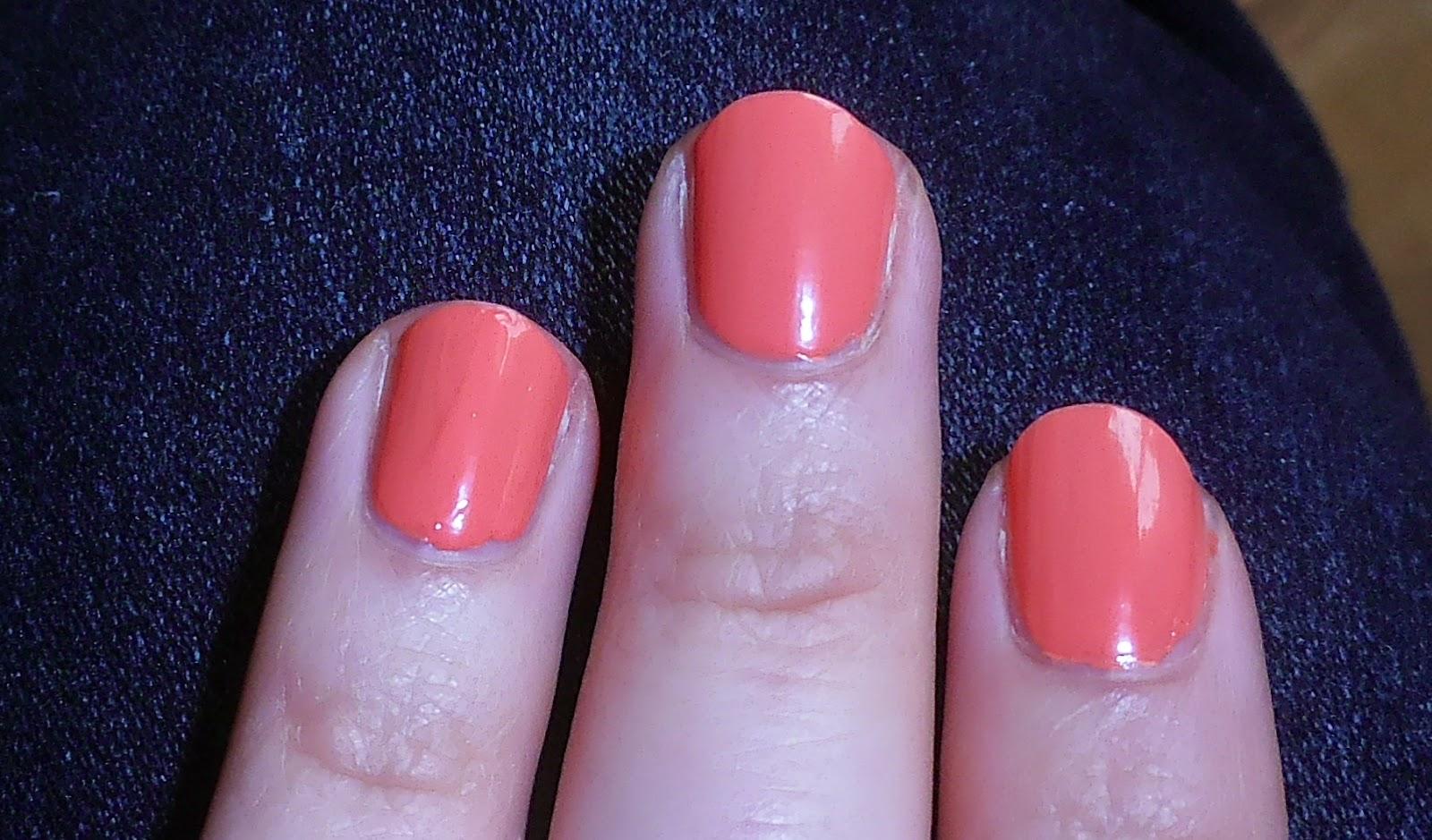 brzoskwiniowy lakier do paznokci