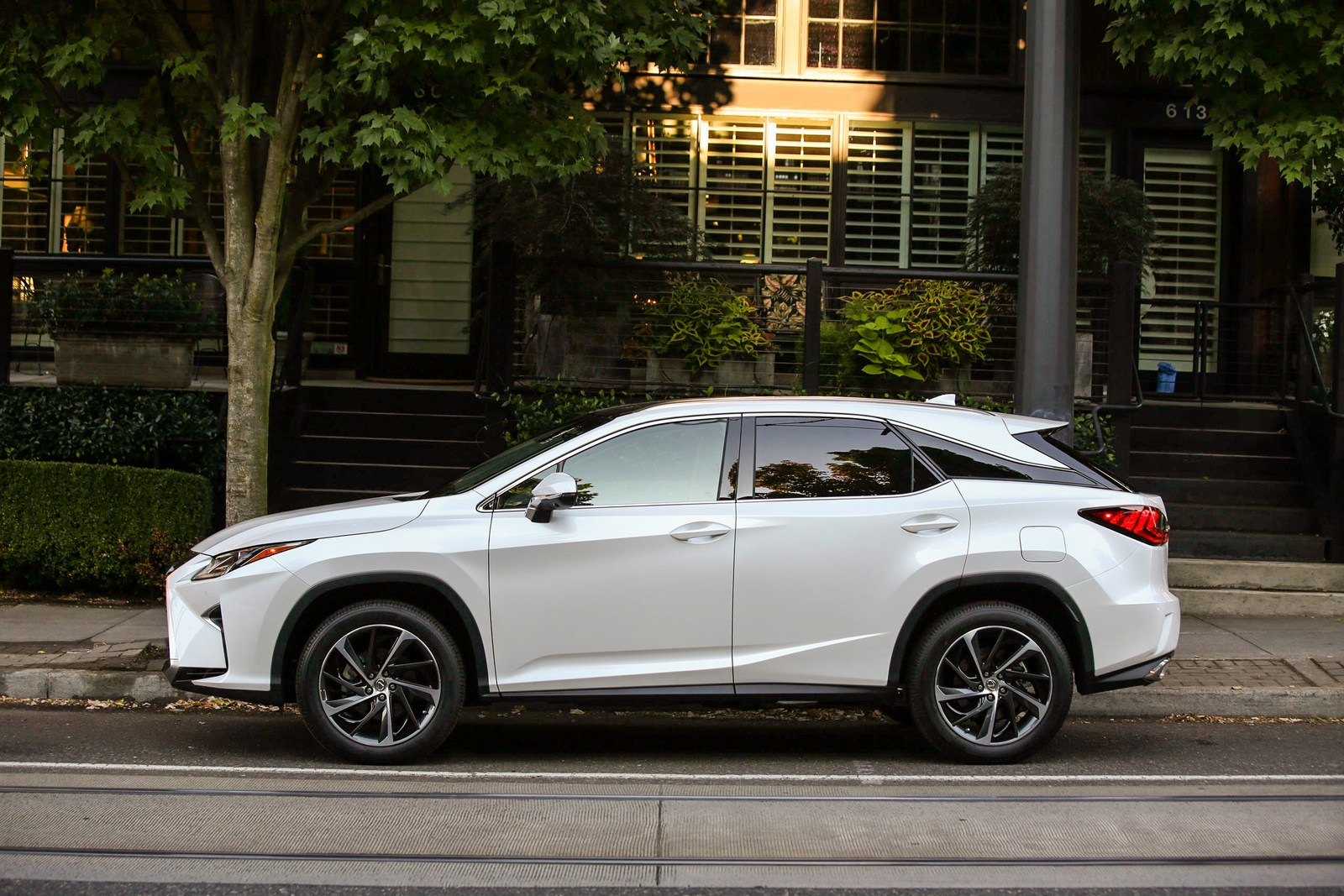 Soccer Moms Rejoice 3Row Lexus RX Reportedly Coming In October