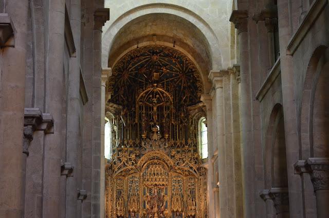 Dentro da Velha Catedral de Coimbra