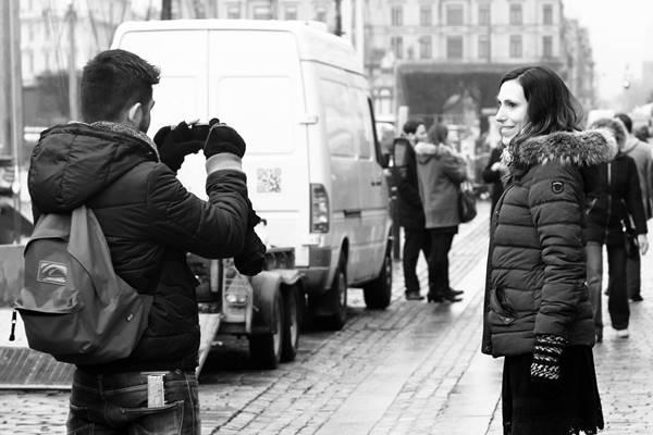 Aplicativo russo FindFace permite que você tire fotos de estranhos e os identifique na internet