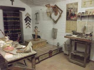 Koleksi Museo de Artes y Cotumbres Populares,