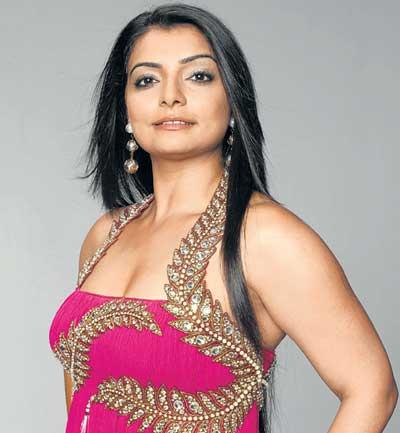 Cine Duniya: I really love 'Chikni Chameli': Vaibhavi Merchant Vaibhavi Merchant Songs