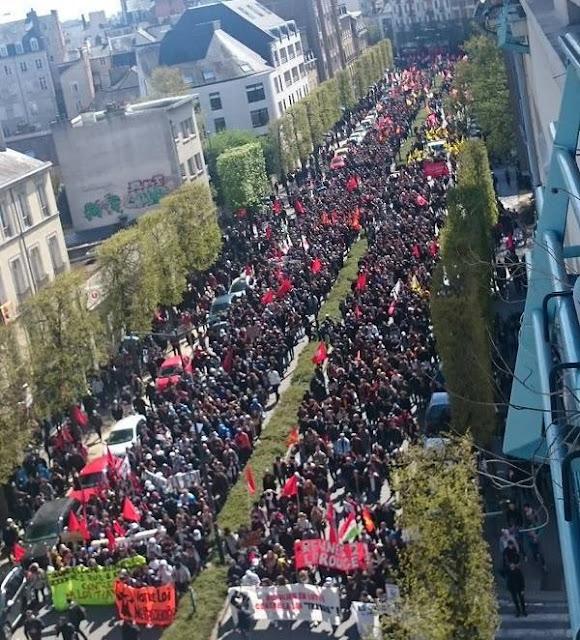 Γαλλία: Χιλιάδες κόσμος στους δρόμους διαδηλώνουν ενάντια στις μεταρρυθμίσεις όσο η σακατεμένη Ελλάδα κοιμάται...!