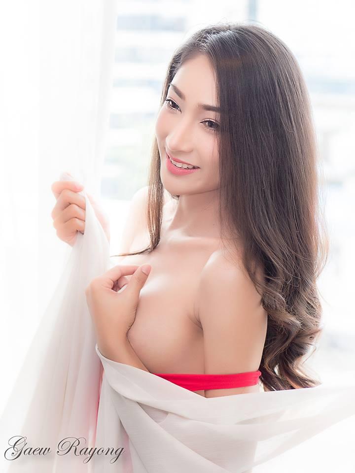 Achiraya Kunnatam bikini