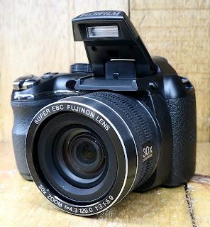 Kamera Fujifilm Prosumer FinePix S4500 Fullset