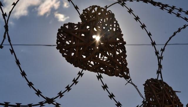 Përse ke frikë të biesh në Dashuri sipas shenjës së Horoskopit