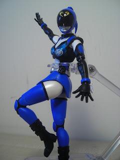 SH Figuarts Akiba Blue 02