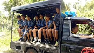 Peduli Siswa Polsek Motoling Gunakan Mobil Patroli