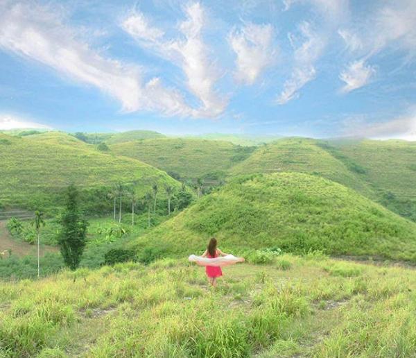 Tempat Wisata Terindah Paling Hits di Nusa Penida Teletubbies Hills