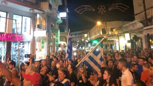 Πολίτες στις Σέρρες έστησαν κρεμάλες και έβριζαν βουλευτές των ΣΥΡΙΖΑ - ΑΝΕΛ