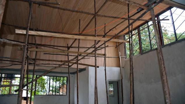 Interior de la Futura Sinagoga de Uganda